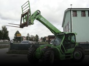 Cranes, handlers, lifts