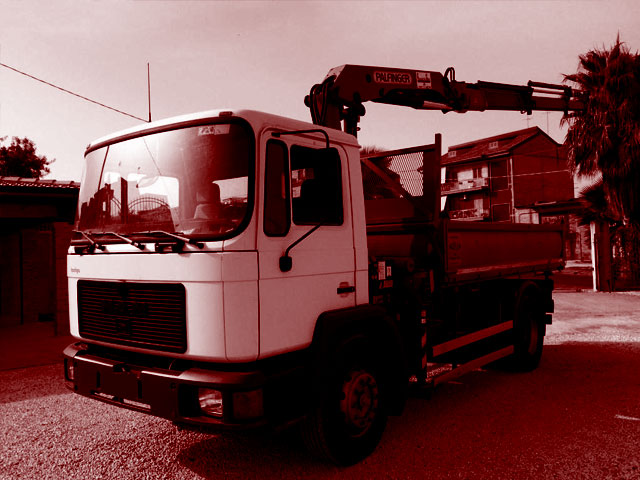 Used Tipper Trucks with Crane