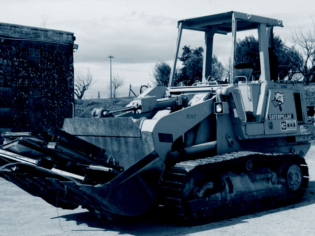 Used track loaders weighing from 6 to 13T