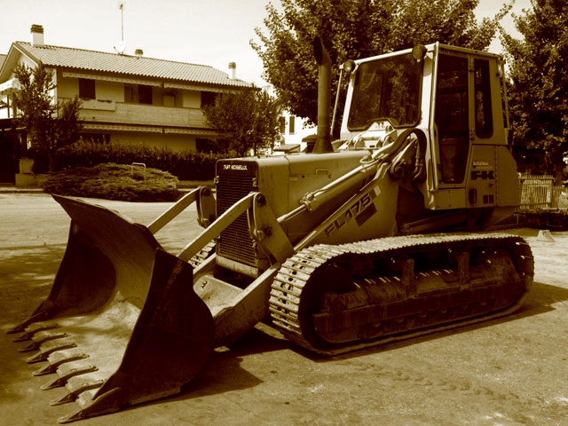 Used track loaders weighing over 17T