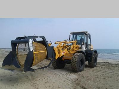BVA 150 MS Spiaggia Screening bucket sold by Ambrosi Benne Snc