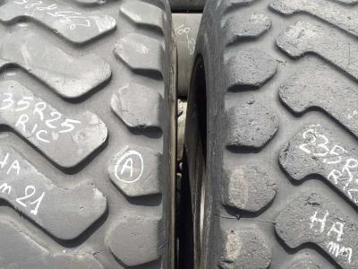 Ricoperta 23.5 R25 XHA sold by Piave Tyres Srl