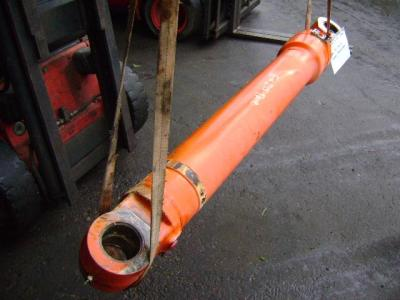 Arm cylinder for Fiat Hitachi EX 215 sold by PRV Ricambi Srl