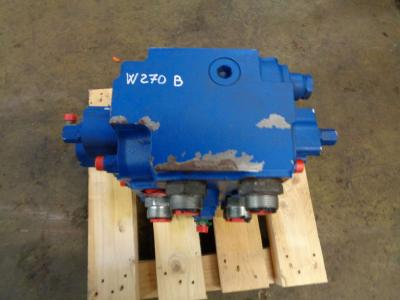 Hydraulic distributor for New Holland W 270 B sold by PRV Ricambi Srl