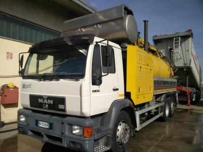 Man 18.284 sold by PRV Ricambi Srl