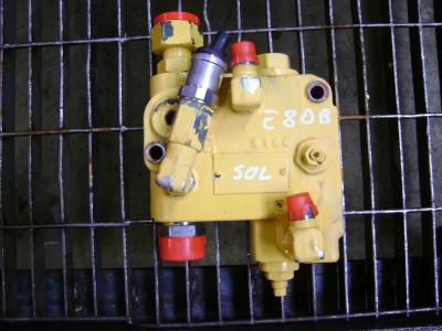 Block valve for New Holland E 80 B sold by PRV Ricambi Srl