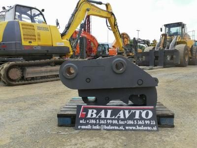 Universal Quick hitch sold by Balavto