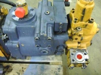 Hydraulic engine for Liebherr 902 sold by PRV Ricambi Srl