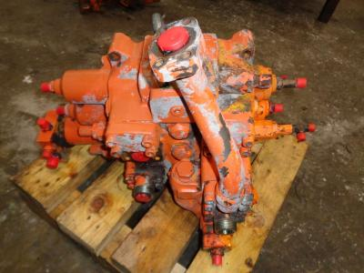 Hydraulic distributor for Fiat Hitachi Fr 220.2 sold by PRV Ricambi Srl
