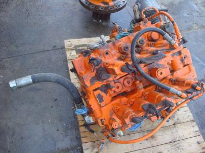 Hydraulic distributor for Fiat Hitachi FH450.3 sold by OLM 90 Srl