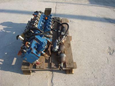 Hydraulic distributor for Fiat Hitachi 150W3 sold by OLM 90 Srl