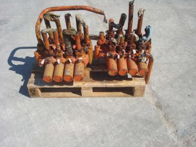 Hydraulic distributor for PMI 834 sold by OLM 90 Srl