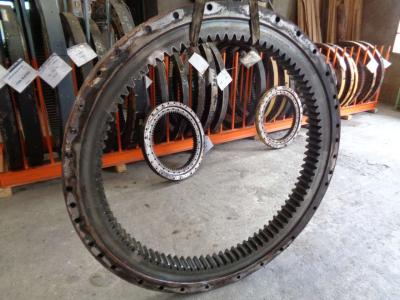 Slewing ring for New Holland E 385 B sold by PRV Ricambi Srl