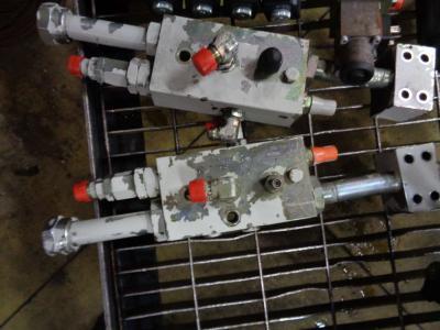 Block valve for Takeuchi TB 1140 sold by PRV Ricambi Srl