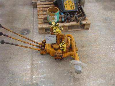 Hydraulic distributor for Fiat FL8 sold by OLM 90 Srl