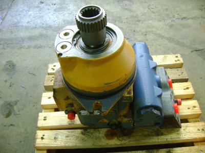 Track motor for Liebherr 904 sold by PRV Ricambi Srl