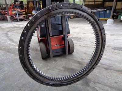 Slewing ring for Caterpillar 322 B sold by PRV Ricambi Srl