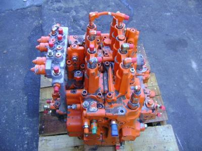 Fiat Hitachi Hydraulic distributor sold by PRV Ricambi Srl