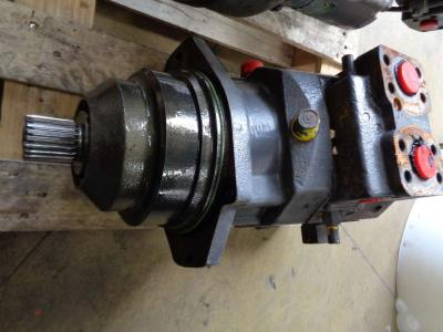 Track motor for Volvo Ec 460 C sold by PRV Ricambi Srl