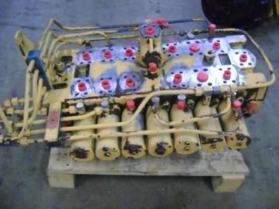 Hydraulic distributor for Liebherr 902 sold by PRV Ricambi Srl