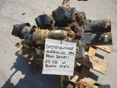 Hydraulic distributor for Benati 25SB sold by OLM 90 Srl