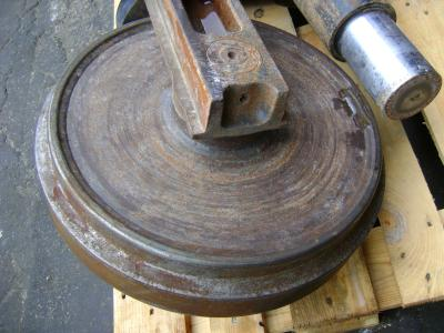 Idler wheel for Liebherr 904 sold by PRV Ricambi Srl
