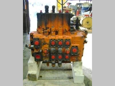Hydraulic distributor for Fiat Hitachi FH 200.3 sold by PRV Ricambi Srl