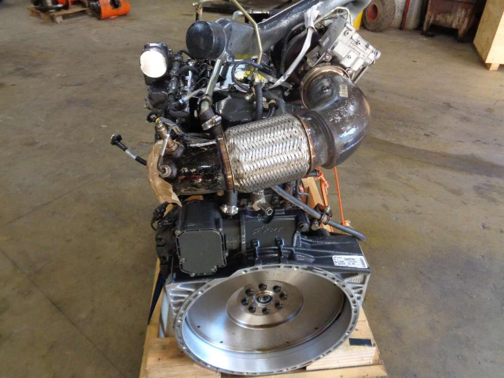 Internal combustion engine for FPT Industrial F4HFE613T Photo 4