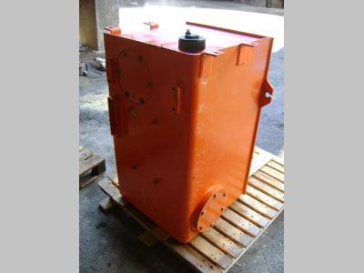 Oil tank for Fiat Hitachi W 230 sold by PRV Ricambi Srl