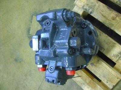 Traction motor for Fiat Hitachi Ex 215 sold by PRV Ricambi Srl